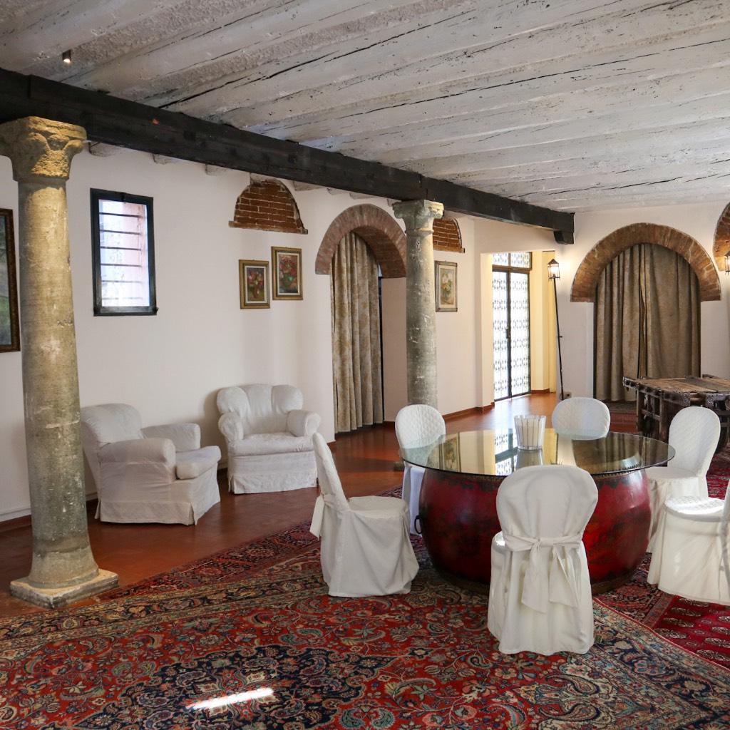 SALOTTINO DELLE COLONNE - Castello di San Pelagio
