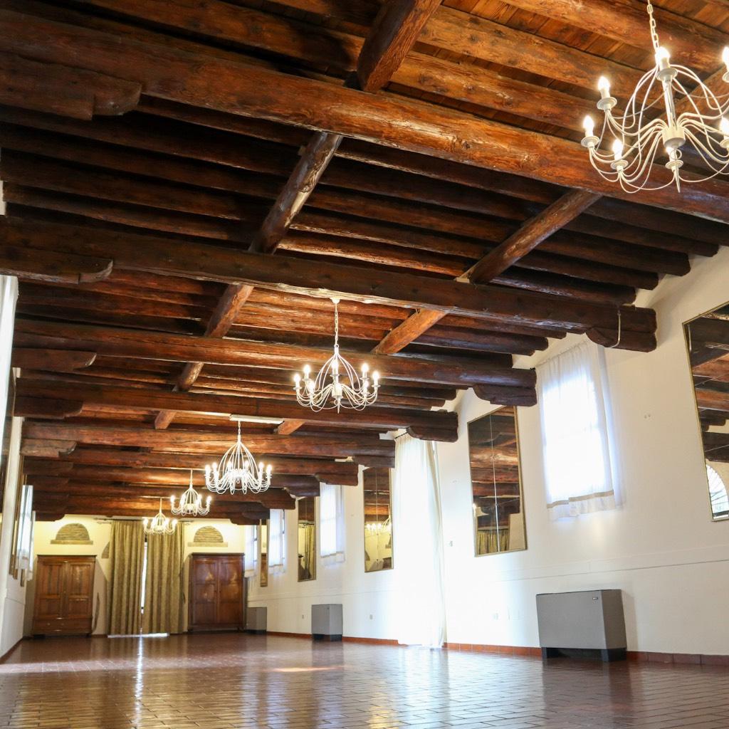 SALA DELLE TRAVI Castello di San Pelagio